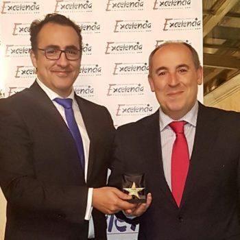 Premiados a la Excelencia Jurídica: Antonio Acosta y Juan José Santos